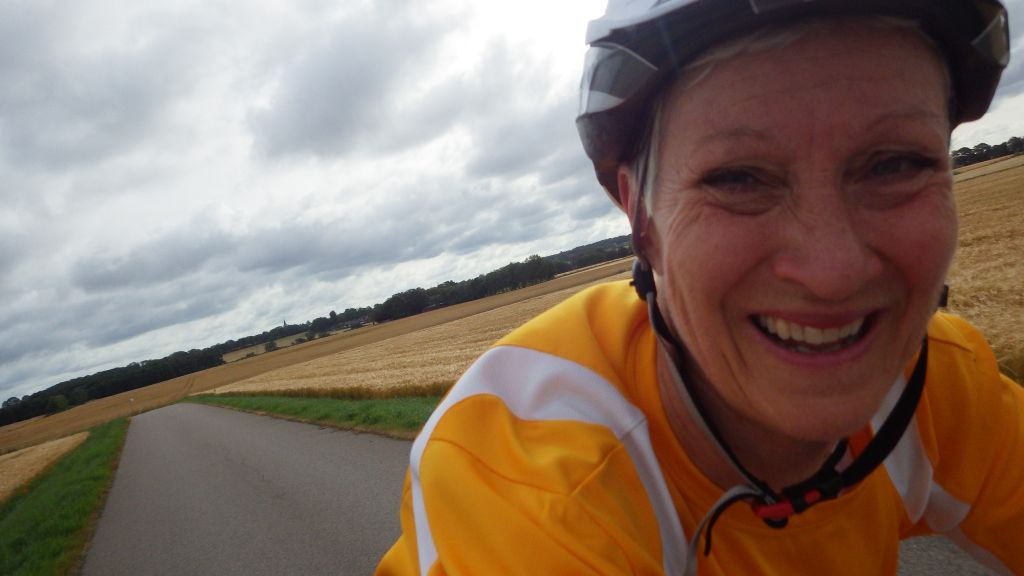 Måndag Jag cyklar till jobbet och Ernst kommer över till Grön Caddy igen