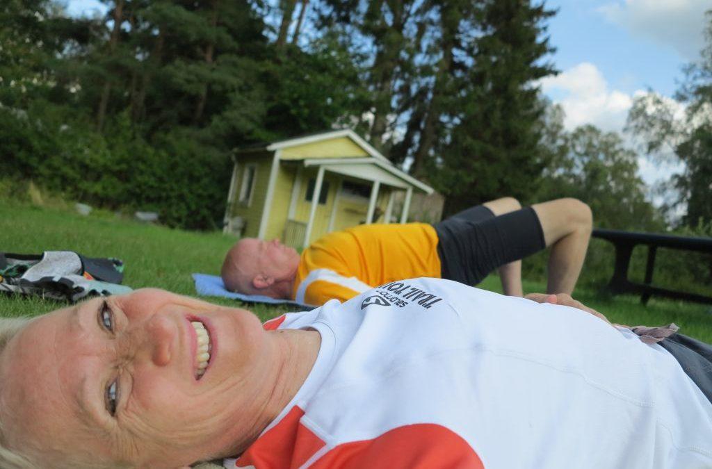 Tisdag med Födelsedag, Yoga och en Ekorrfamilj.