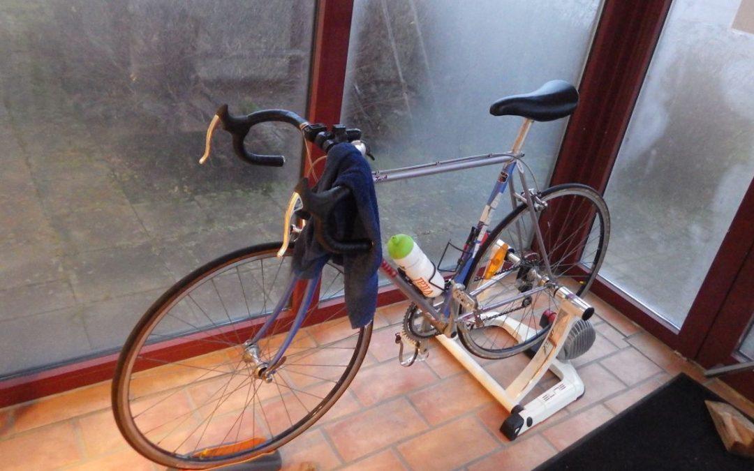 Måndag Cykelintervaller och vedhantering
