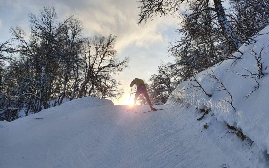 Tisdag Underbar skidåkning innan återresa mot Skåne