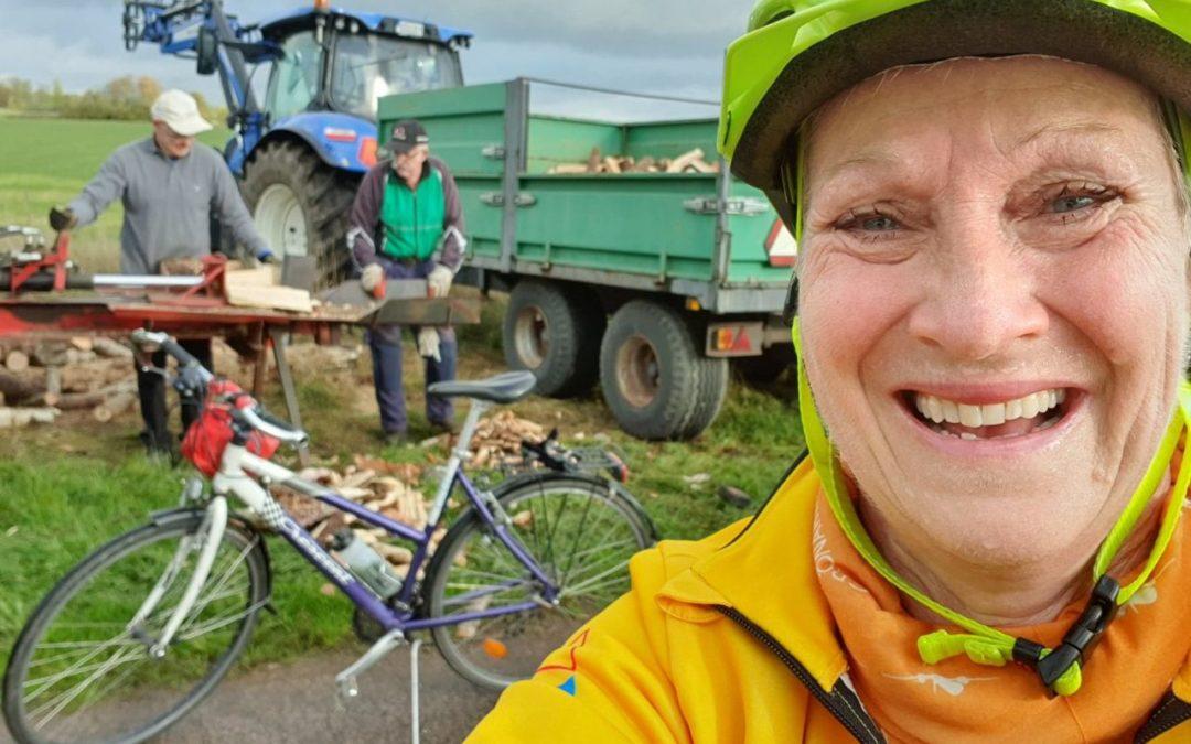 Lördag Cykling och vedhantering